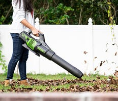 Cordless & Electric Leaf Blowers | Backpack Blowers | Greenworks