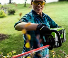 Battery Hedge Trimmers, Pole Trimmers & Shears | Greenworks