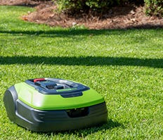 Robotic Lawn Mowers | optimow® | Greenworks Pro
