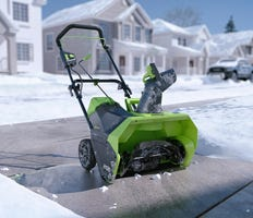 Cordless Snow Blowers, Snow Shovels & Snow Throwers | Greenworks
